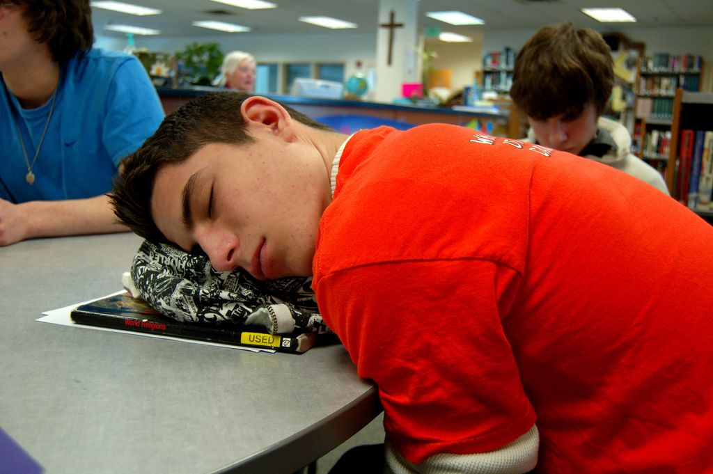 sleeping-in-school